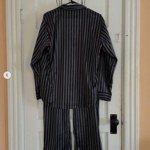 VICTORIA SECRET Satin Pyjama Set